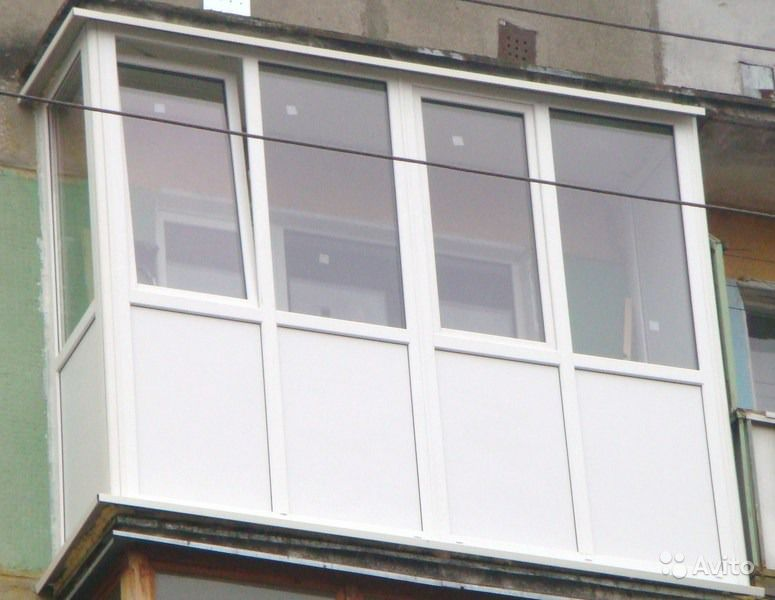 Полное остекление балкона от пола до потолка..