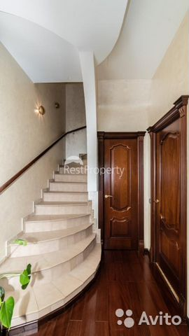 Продается пятикомнатная квартира за 57 120 000 рублей. улица Маршала Тухачевского, 37/21.