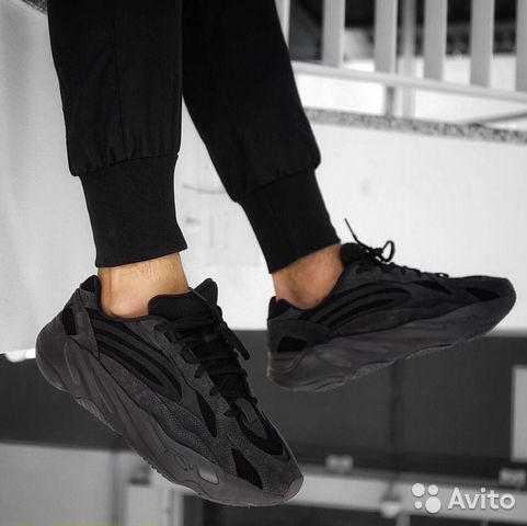 timeless design 5e438 d7d72 Мужские Adidas Yeezy Wave Runner 700 Black