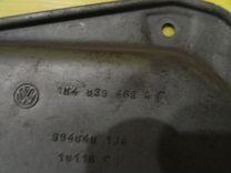 Стеклоподъёмник задний правый электр. Golf 5