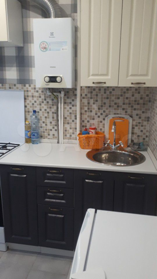 1-к квартира, 42 м², 3/4 эт.  89038255057 купить 2