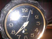 Часы маяк в хрустальном корпусе