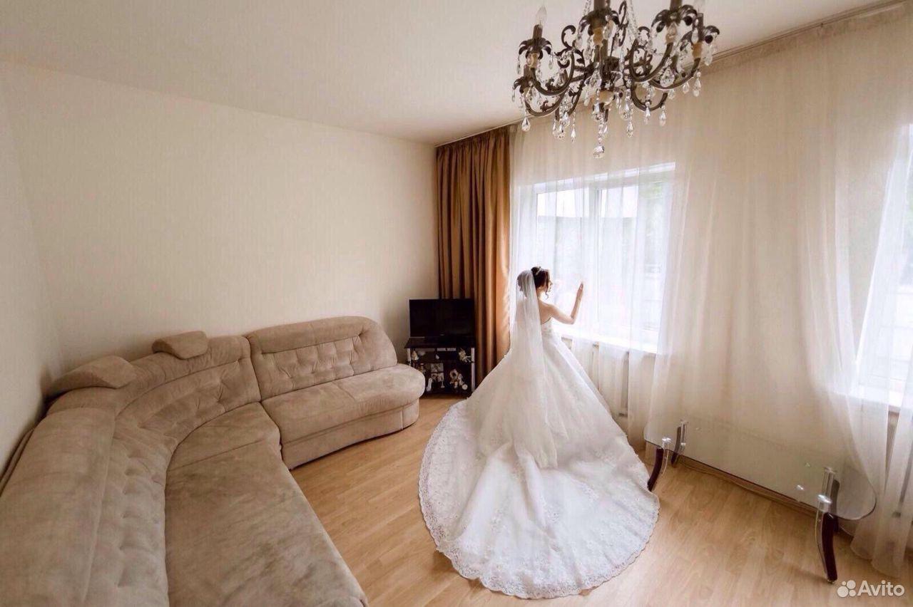 Свадебные платья 42-44 размера  89624337775 купить 1